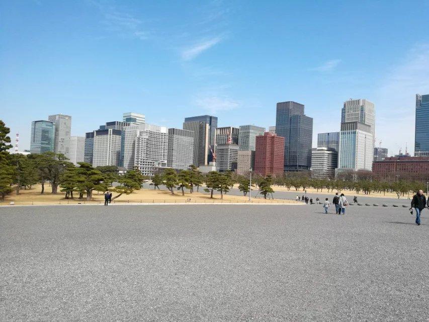日本皇宫对面